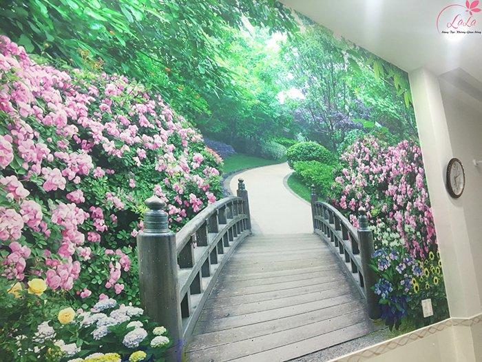 Tranh dán tường cánh hoa trang đài
