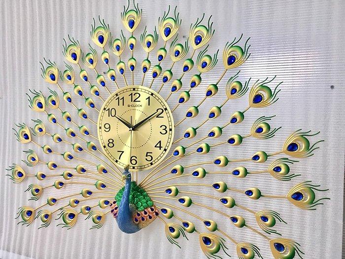 Đồng hồ treo tường đính đá chim công xanh may mắn