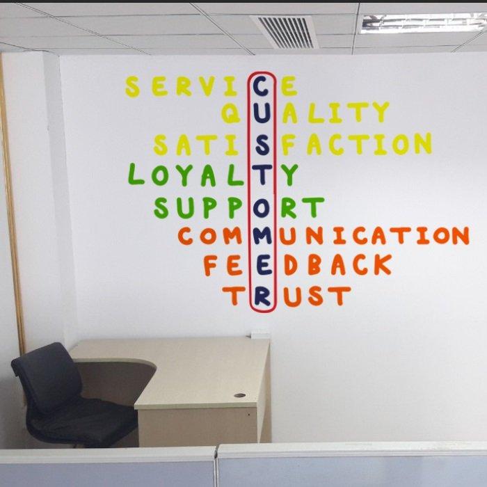 Decal văn phòng service customer