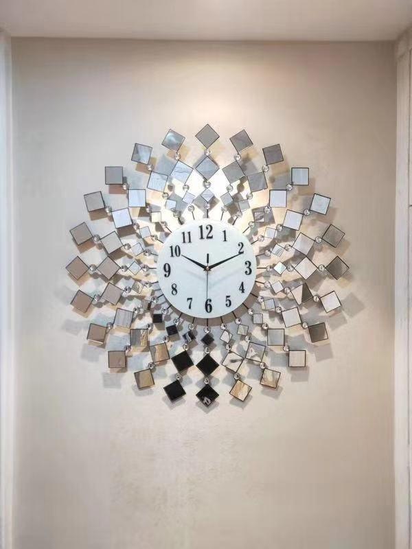 Đồng hồ đính đá pha lê