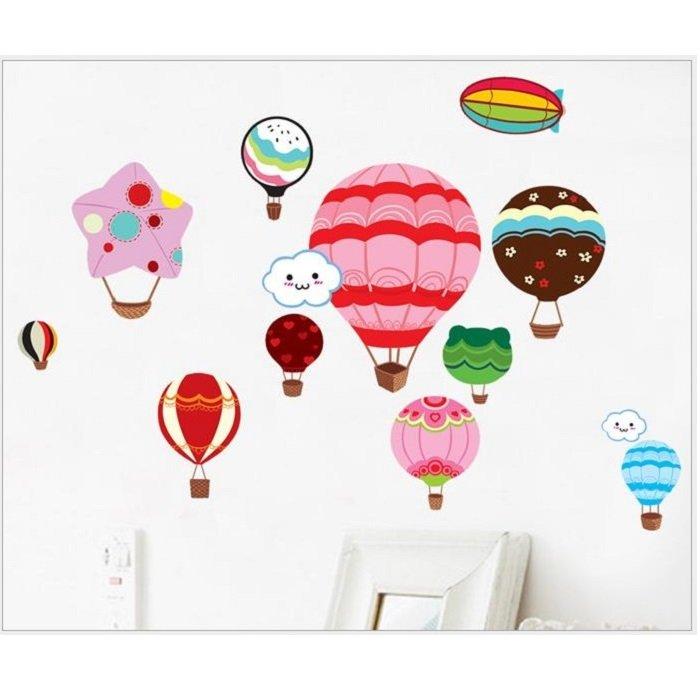 Decal dán tường khinh khí cầu sắc màu