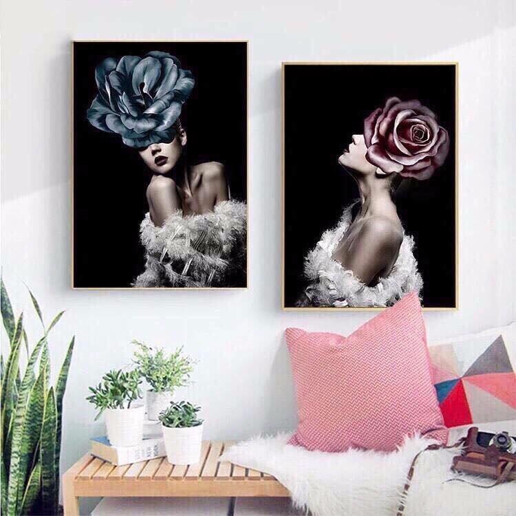Tranh treo tường 2 cô gái và hoa hồng