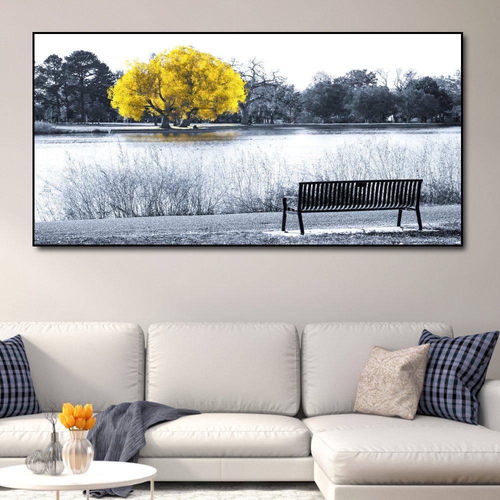 Tranh treo tường cây vàng giữa hồ