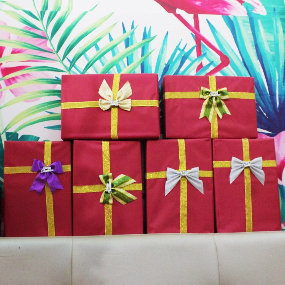 Đồ trang trí noel hộp quà đỏ chữ nhật