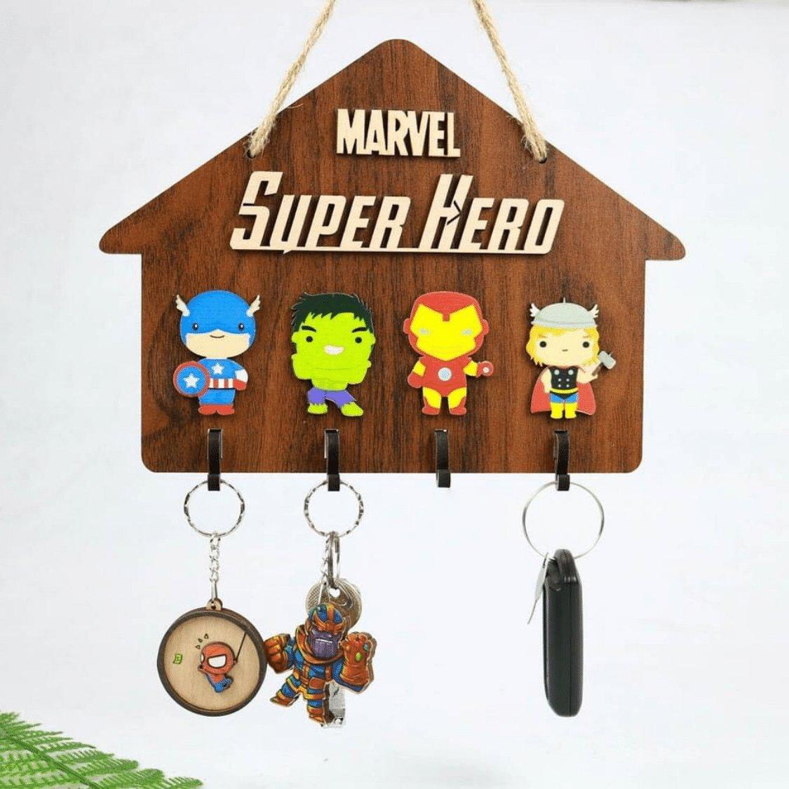 Bảng gỗ trang trí nhà Mavel supper hero