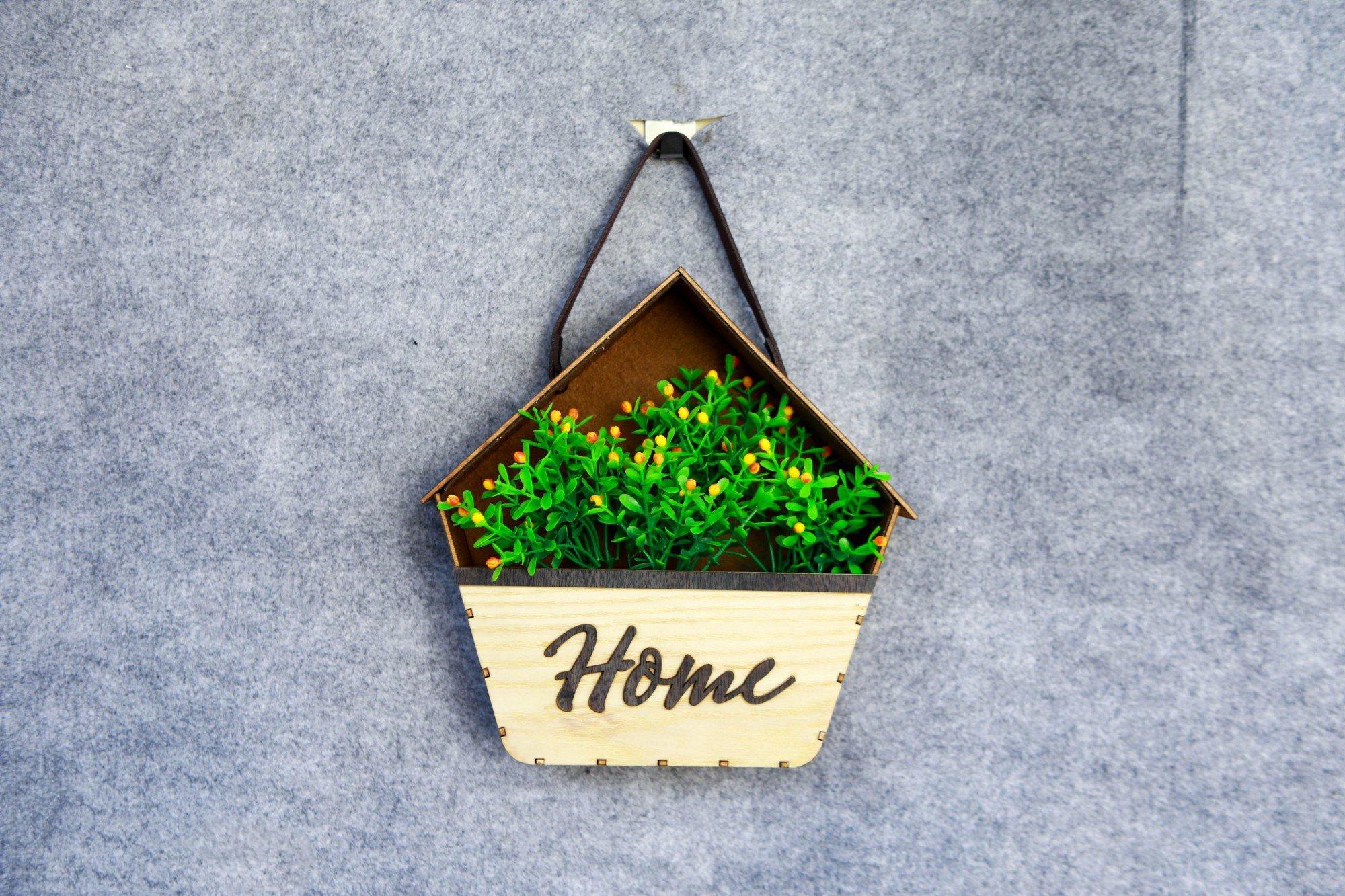 Bảng gỗ treo tường handmade Home kèm hoa mẫu 02