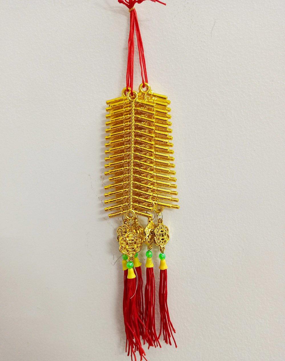 Lộc treo trang trí tết Dây pháo vàng và đồng tiền tài lộc
