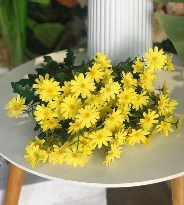 Cành hoa cúc giả trang trí tết