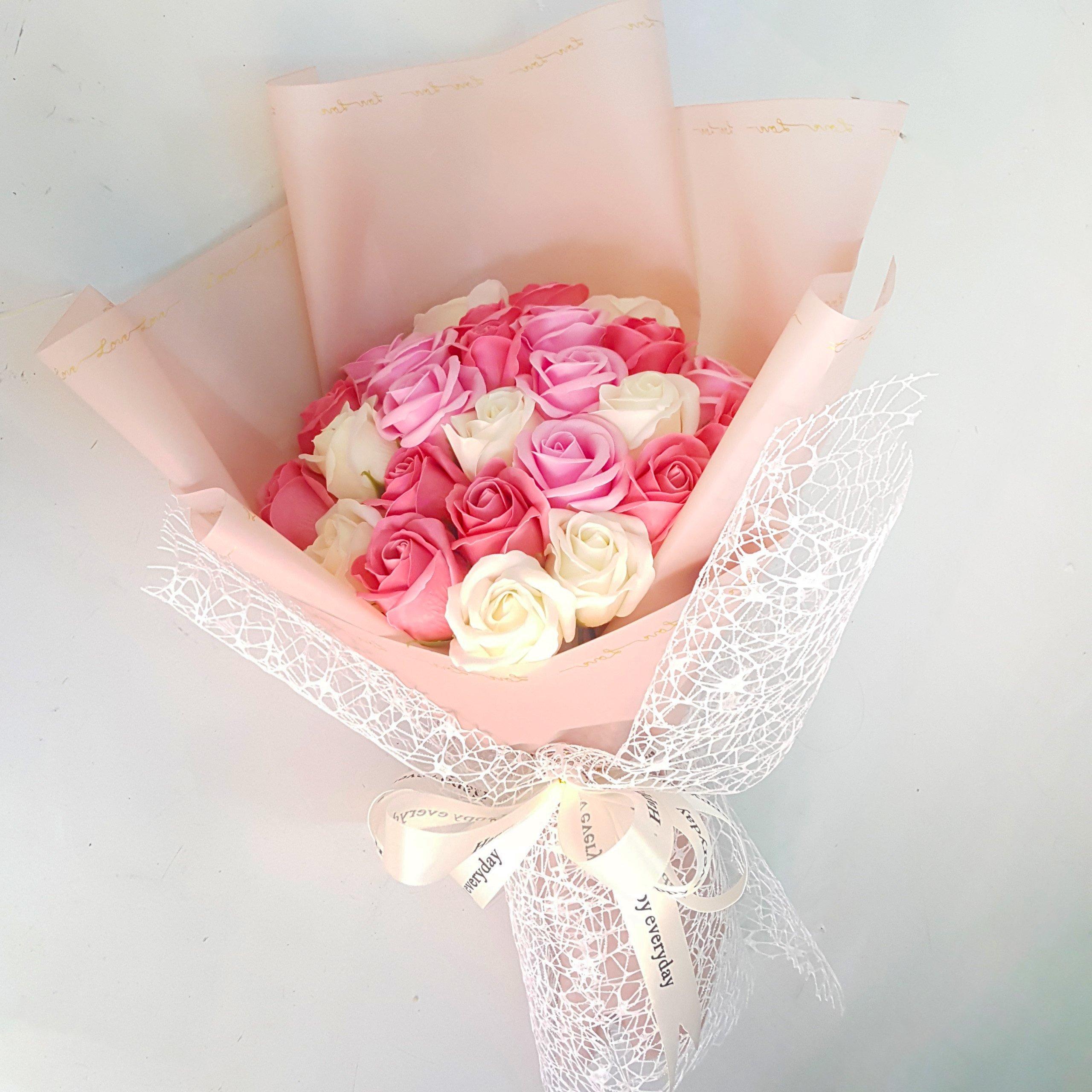 Bó hoa hồng sáp 3 màu Hồng Trắng và Hồng nhạt