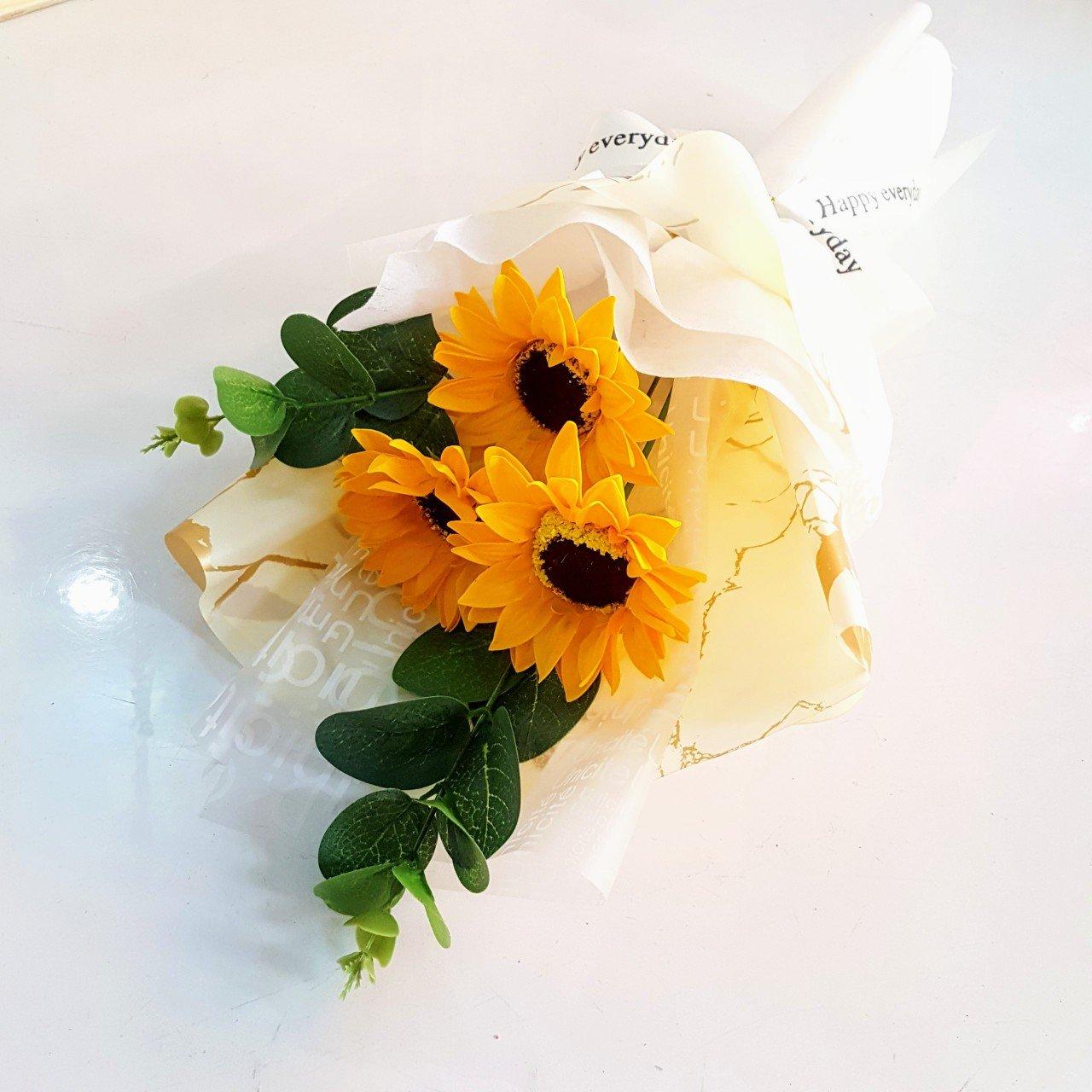 Bó Hoa Cúc quà tặng 8-3 bằng sáp - H059