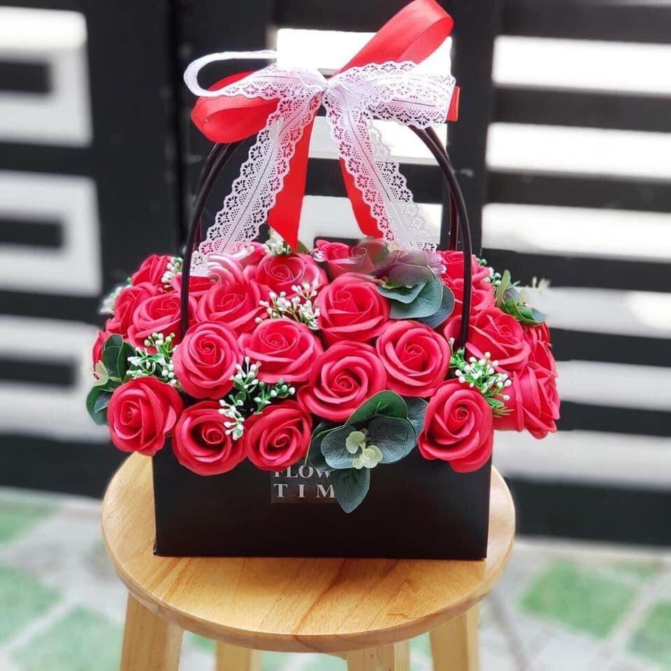 Giỏ hoa hồng sáp thơm Đỏ - H056