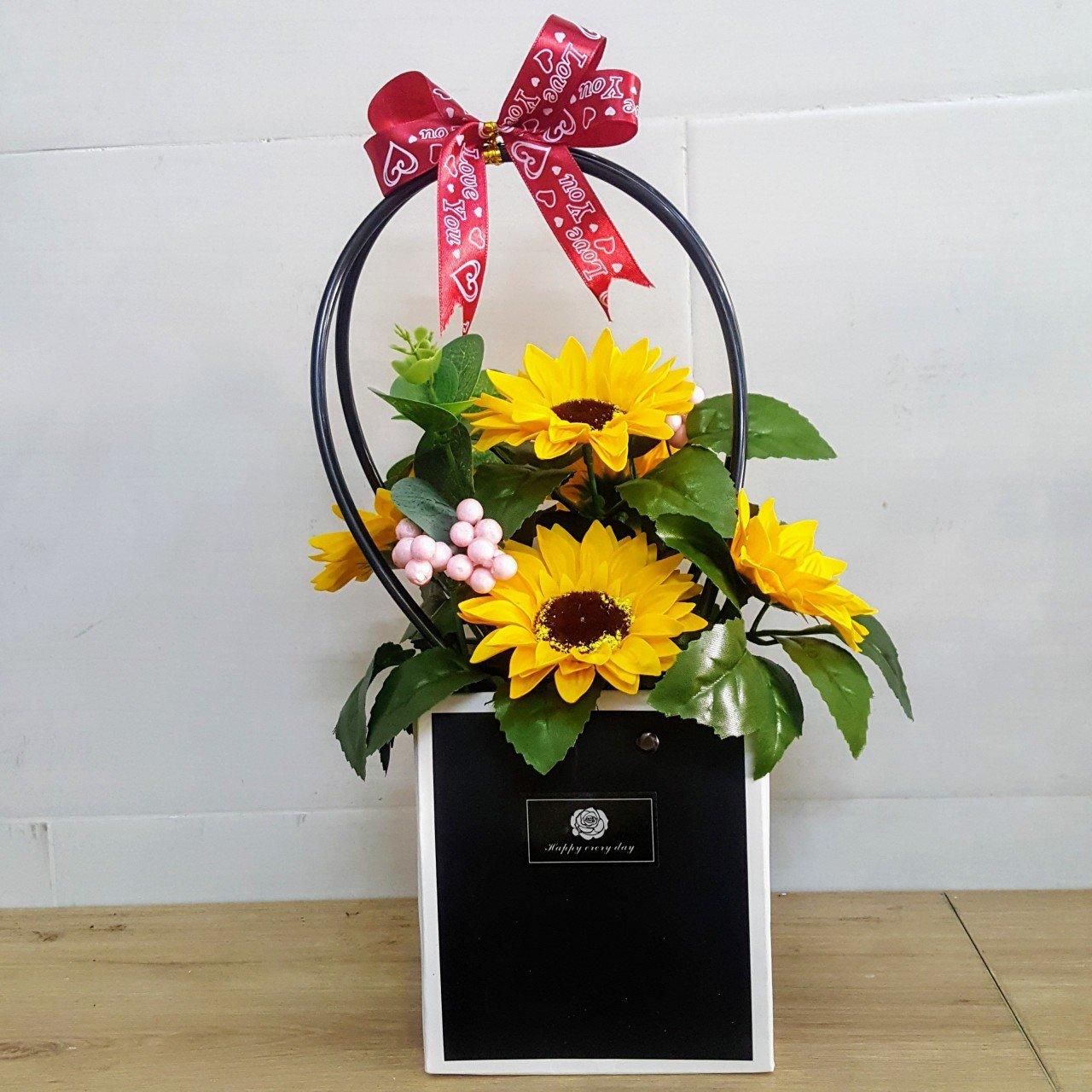 Giỏ hoa Cúc vàng sáp thơm - H061