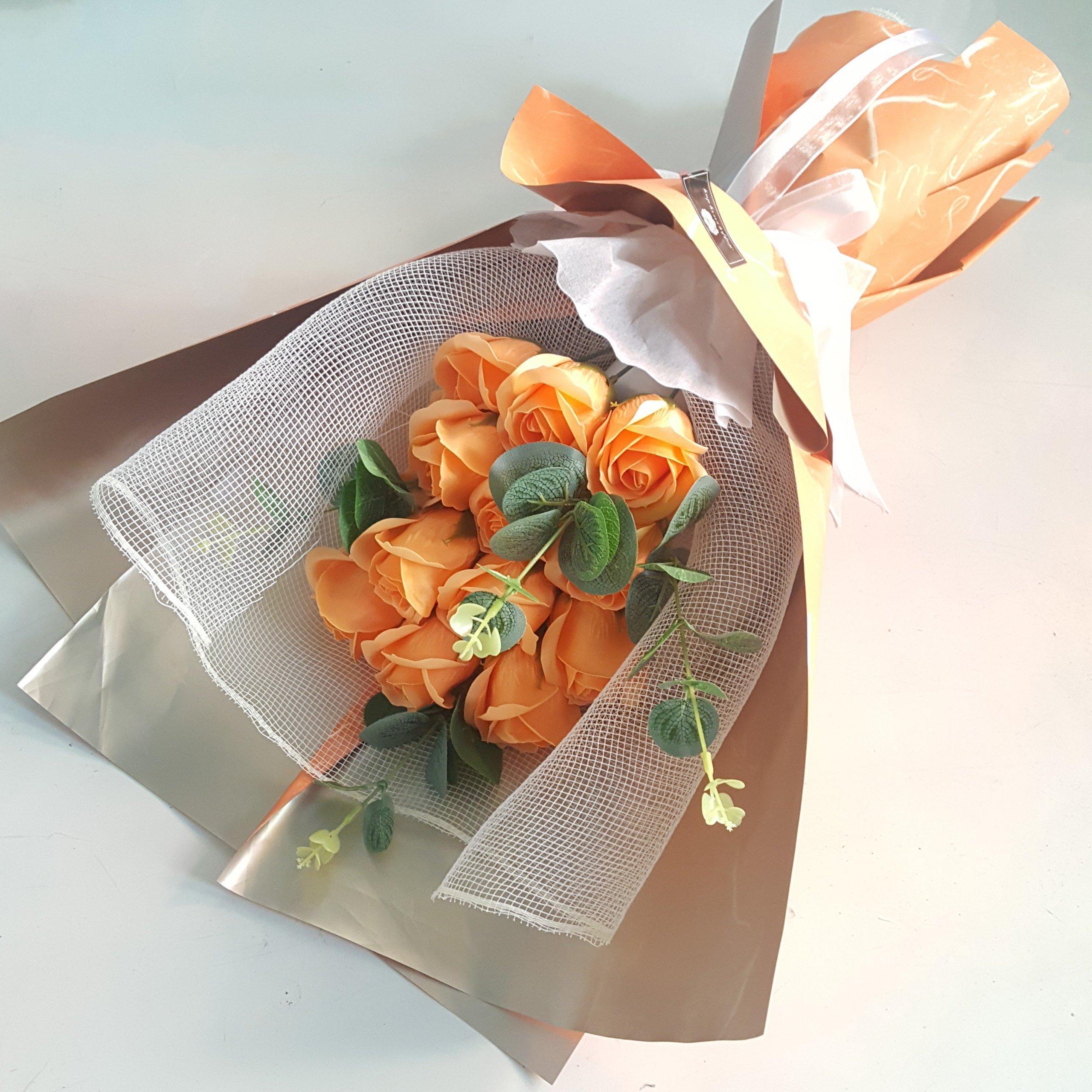 Bó hoa hồng sáp thơm vàng  14 bông - H079