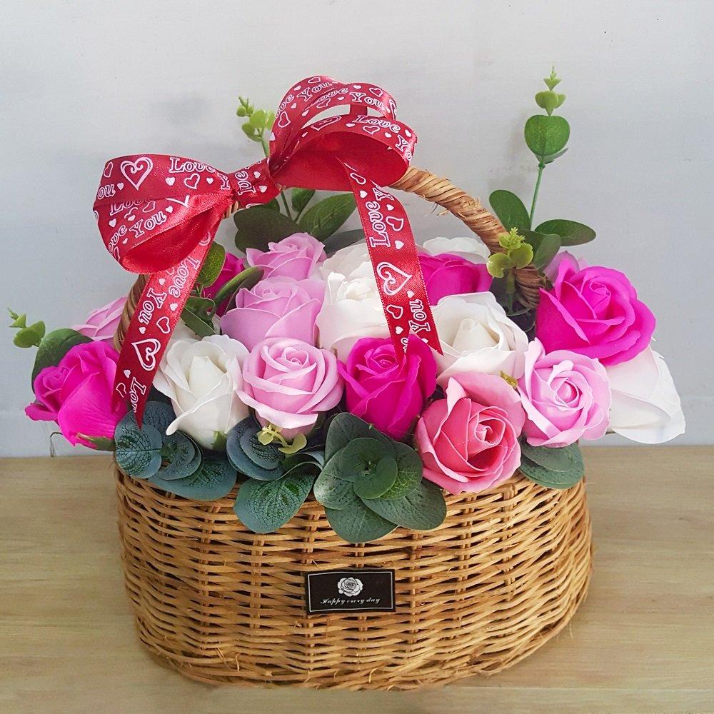 Giỏ hoa hồng sáp thơm sắc hồng