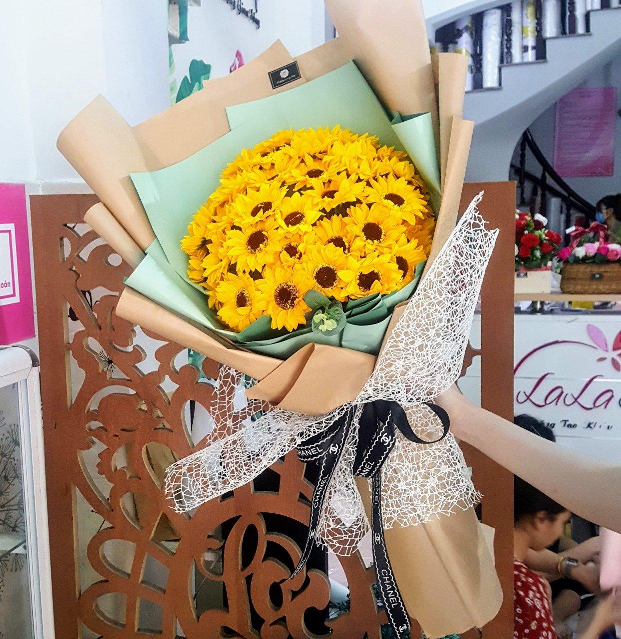 Bó hoa hướng dương sáp thơm vàng - H100