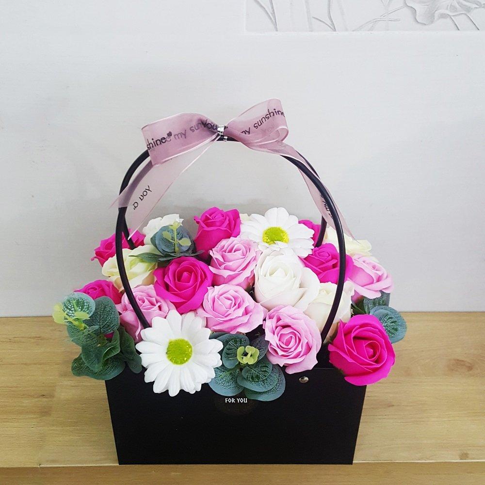 Giỏ hoa sáp thơm sắc hồng 2