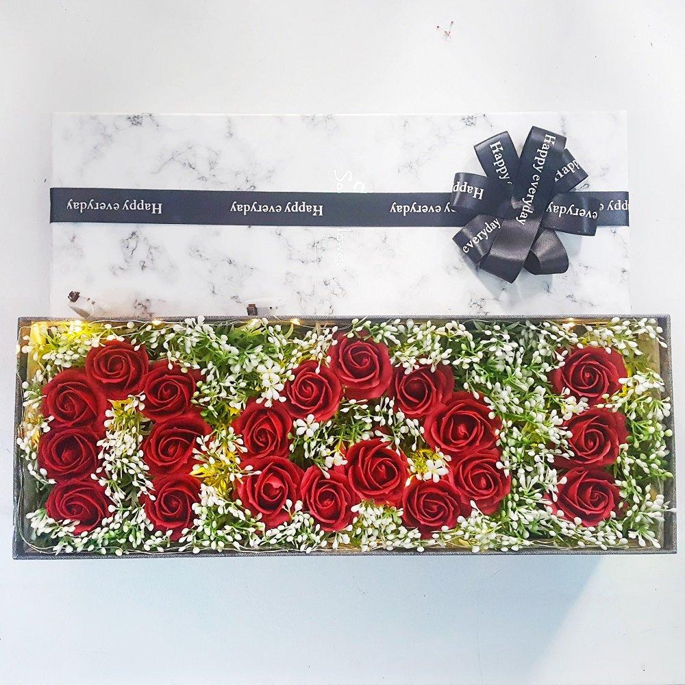 Hộp hoa hồng sáp thơm i love u vân đá kèm đèn led