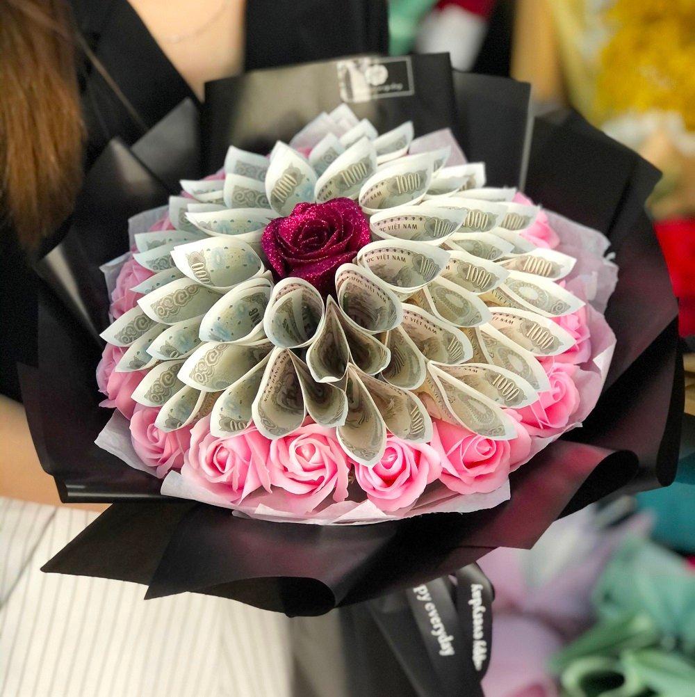 Bó hoa tiền 30 hoa kèm hoa sáp 2