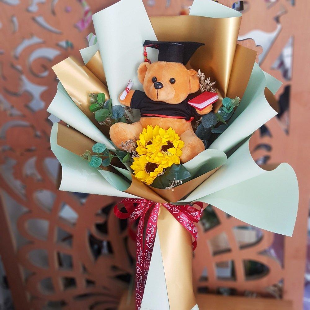 Hoa sáp kèm gấu tốt nghiệp