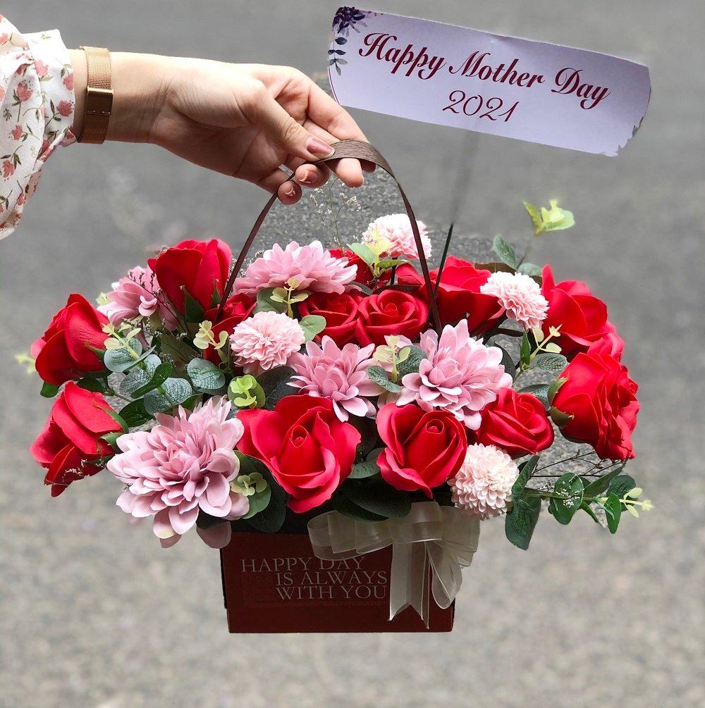 Giỏ hoa sáp thơm Đỏ - Hồng - Trắng