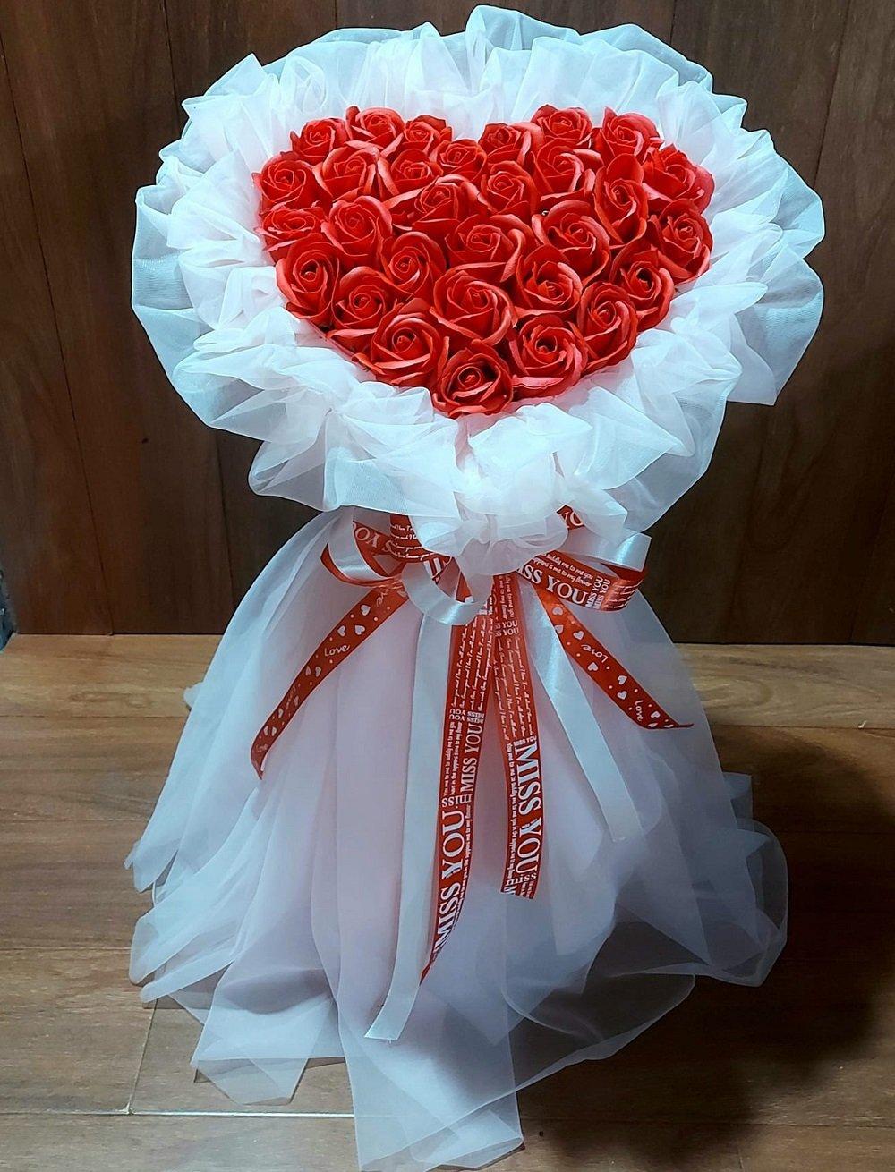 Bó hoa sáp thơm trái tim đỏ (bó 30 bông)