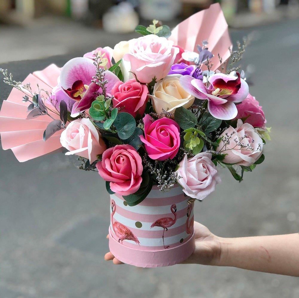 Hộp hoa sáp thơm để bàn