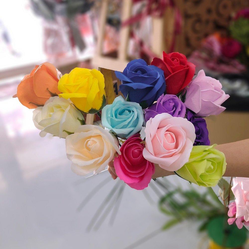 Cành hoa hồng sáp thơm
