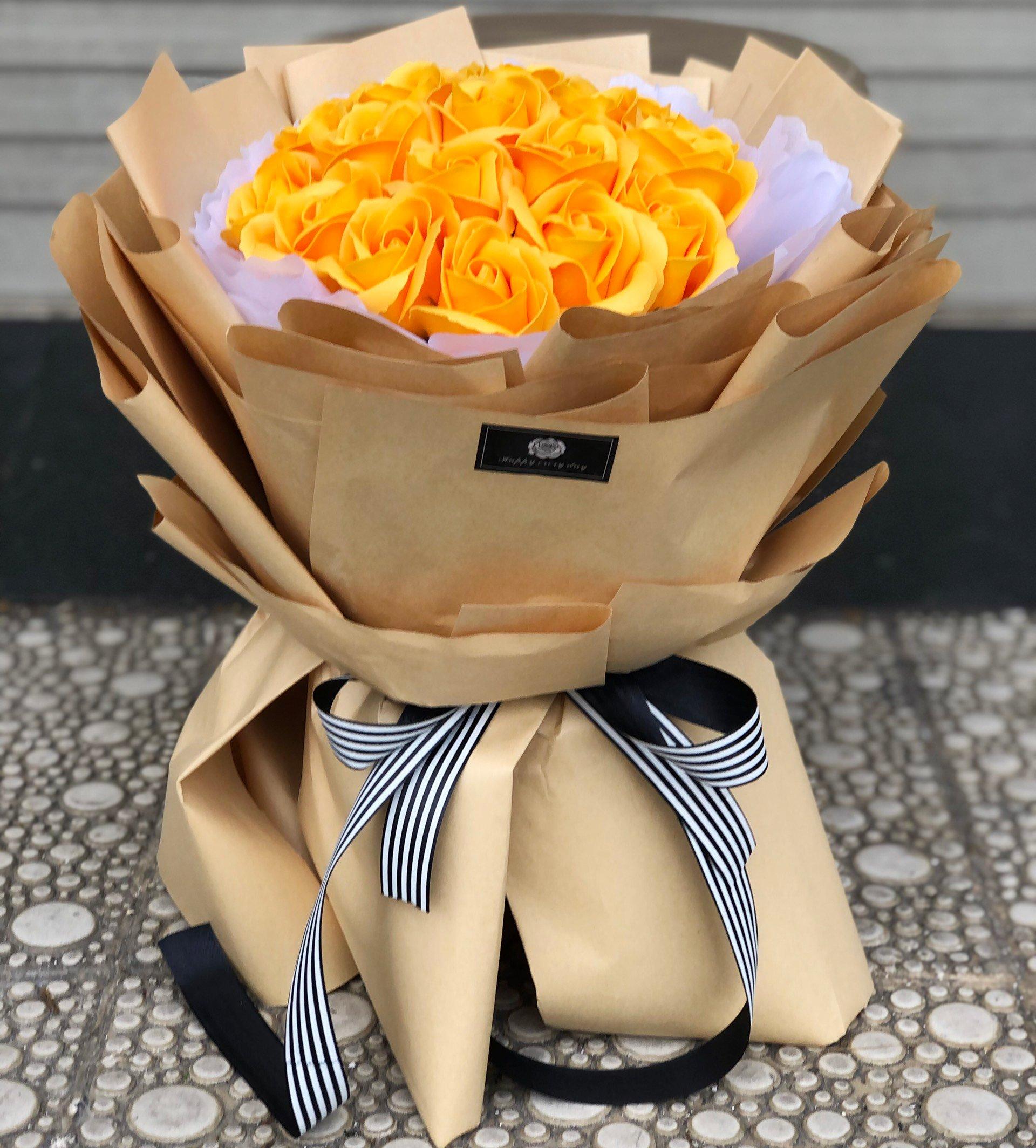Bó hoa sáp vàng 20 bông