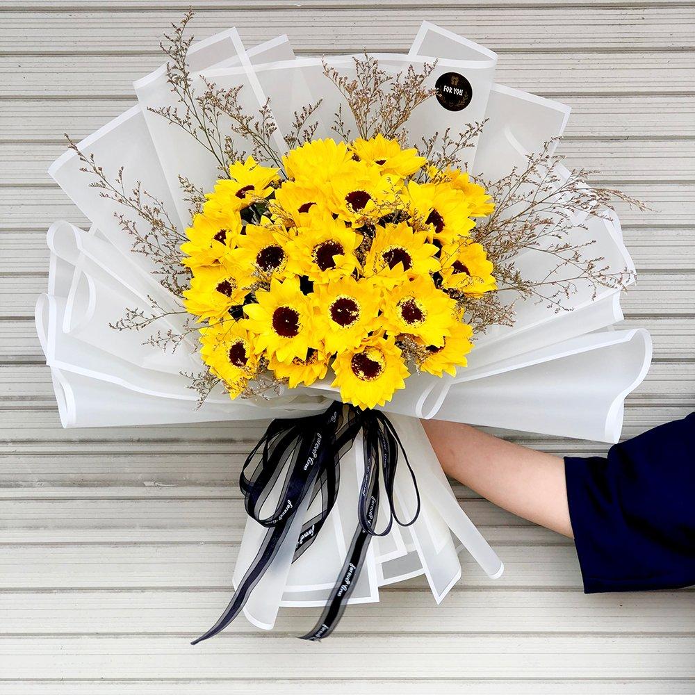 Bó hoa sáp thơm hướng dương vàng