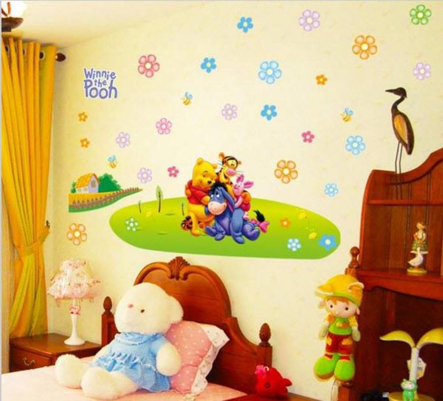 Decal dán tường gấu Pooh hạnh phúc
