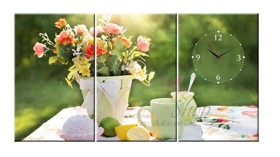 Tranh đồng hồ Hoa cỏ mùa xuân