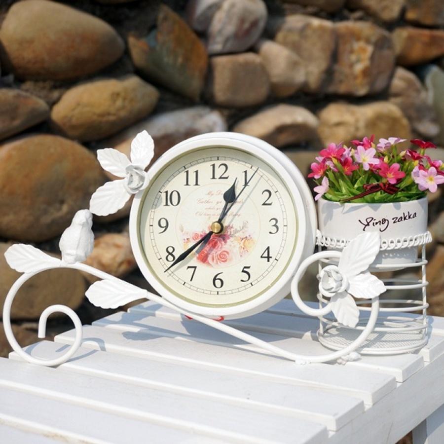 Đồng hồ để bàn dấu ngã
