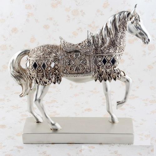 Ngựa đính đá bạc