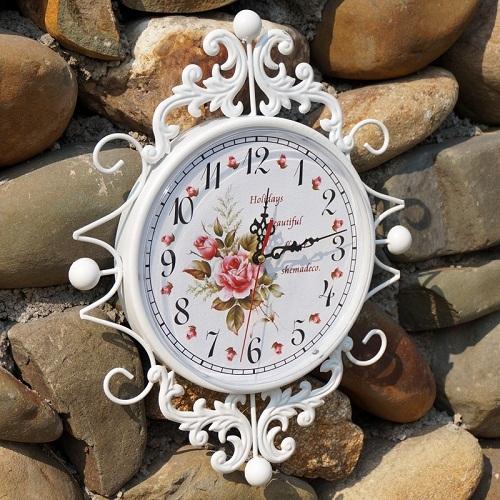 Đồng hồ treo tường hoa hồng