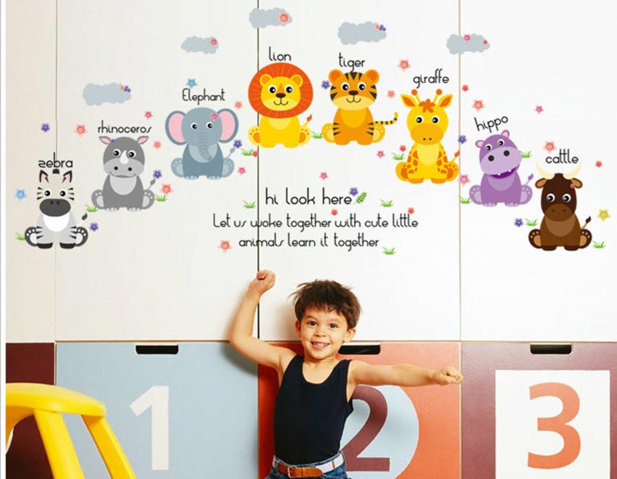 Decal dán tường vườn thú giúp bé học ngoại ngữ