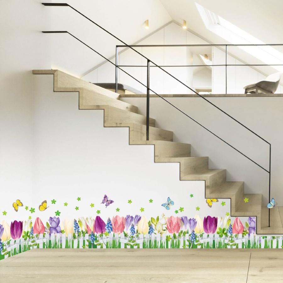 chân tường hoa tulip đa sắc