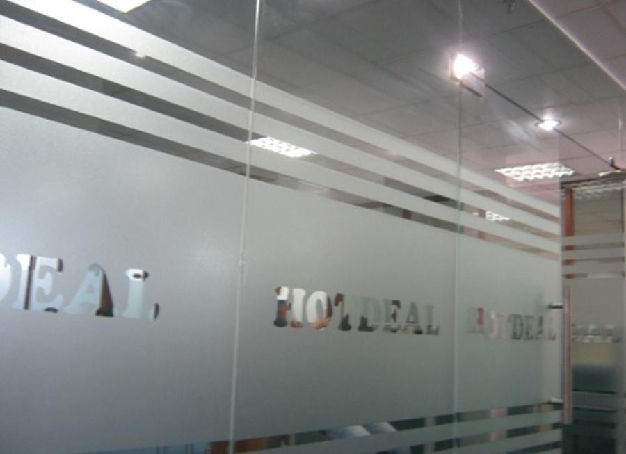 Decal kính thiết kế