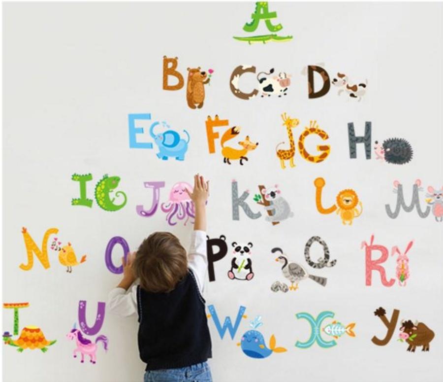 Decal dán tường bảng chữ cái hình thú 2