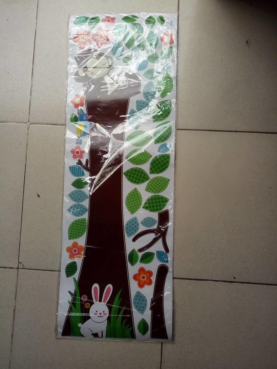 Decal cây thỏ trắng