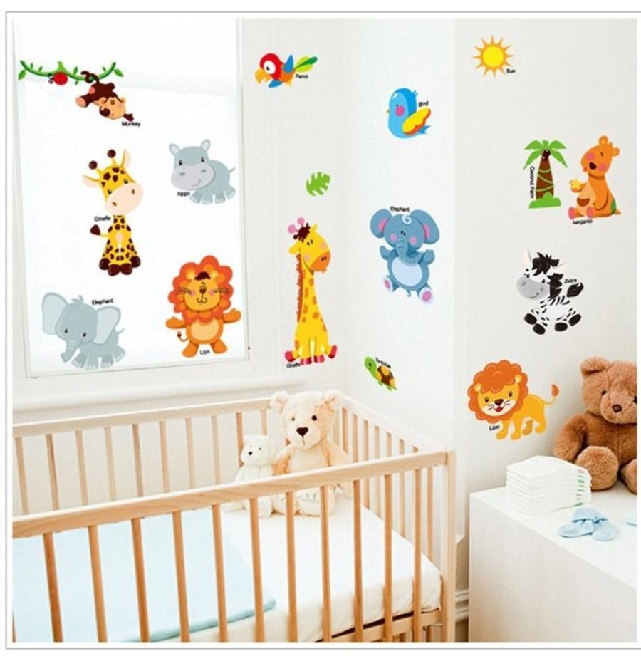 Decal dán tường vườn thú hươu vàng và các bạn 2