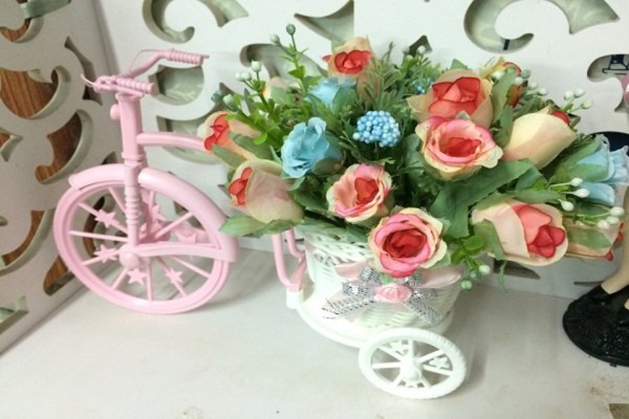 Giỏ hoa xe đạp hoa hồng 2