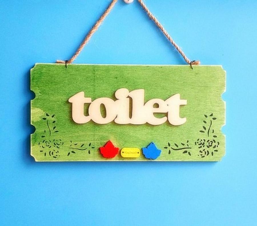 Bảng treo Toilet màu xanh lá