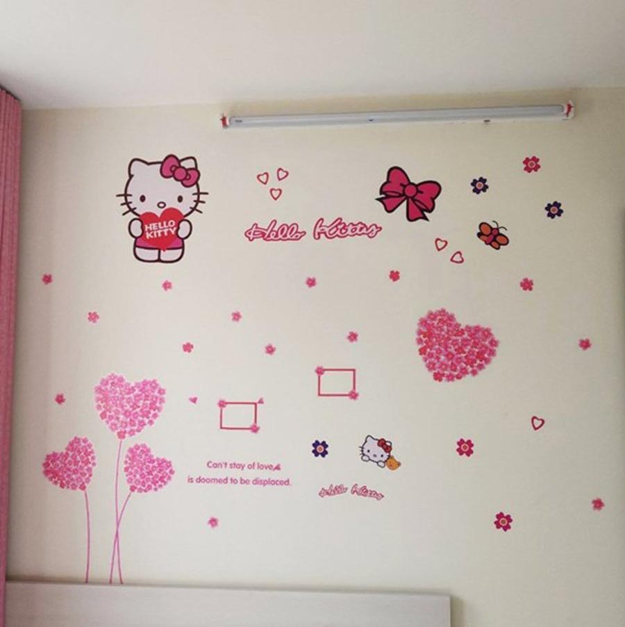 Decal dán tường combo Hello Kitty 1 và trái tim hồng 4