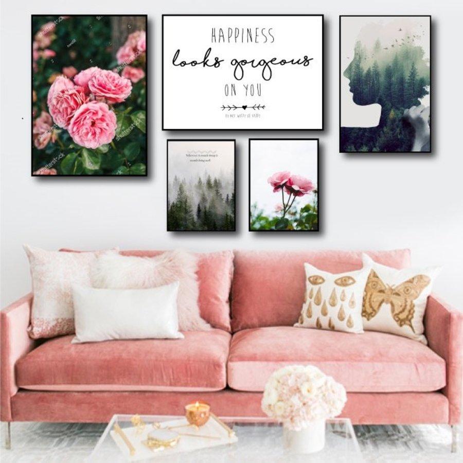 Tranh treo tường hồng nhung và thiếu nữ, Kích thước : 2 tấm 30x40cm, 2 tấm 50x70cm, 1 tấm 40x60cm