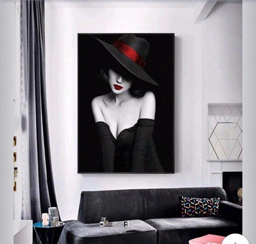 Tranh treo tường thiếu nữ nghệ thuật