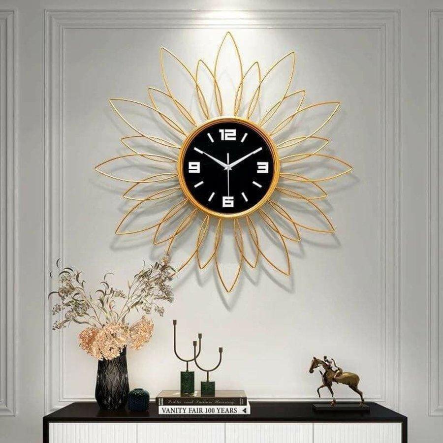 Đồng hồ treo tường đính đá cánh hoa vàng 2