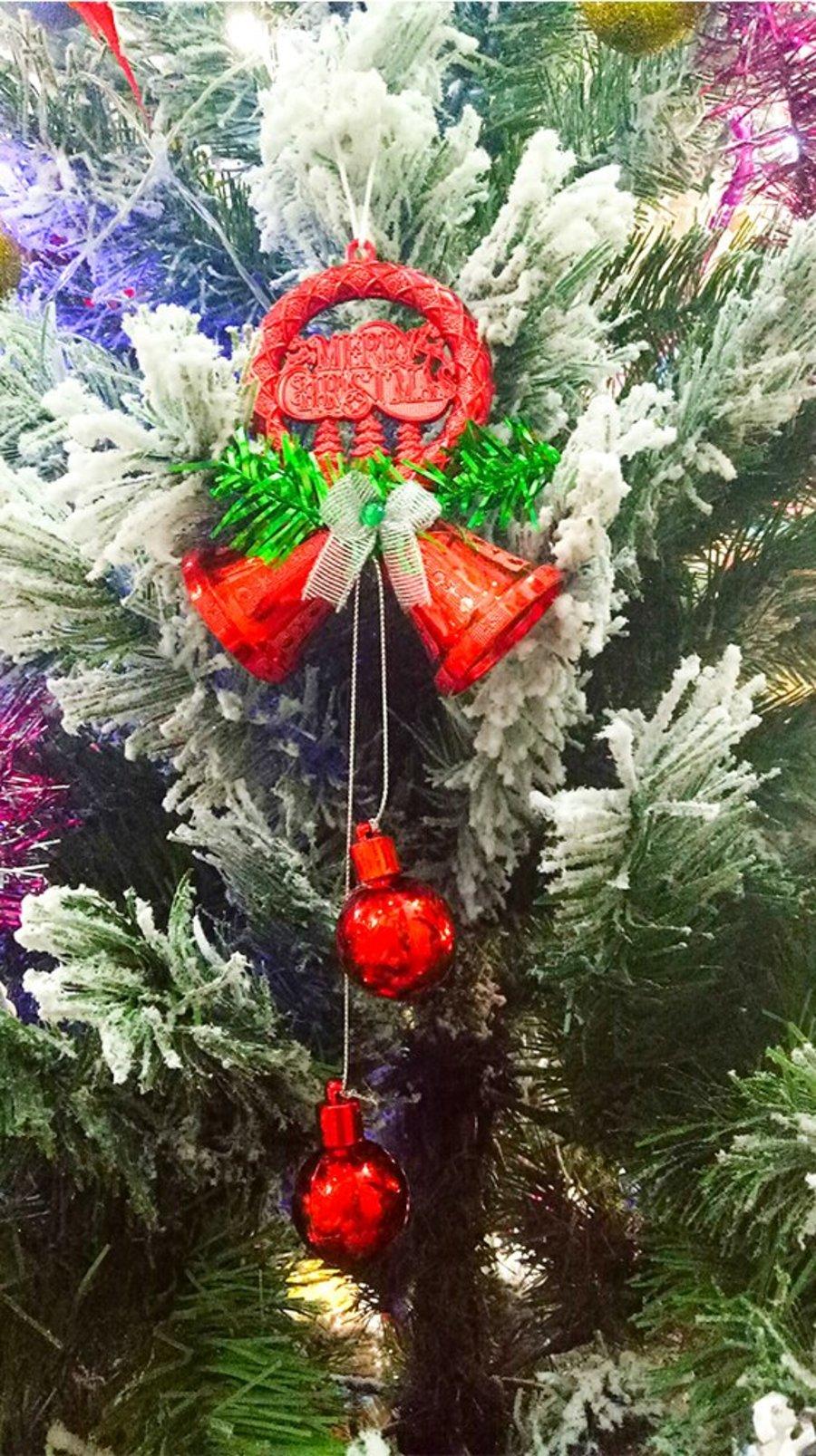 Đồ trang trí noel vòng merry chuông treo