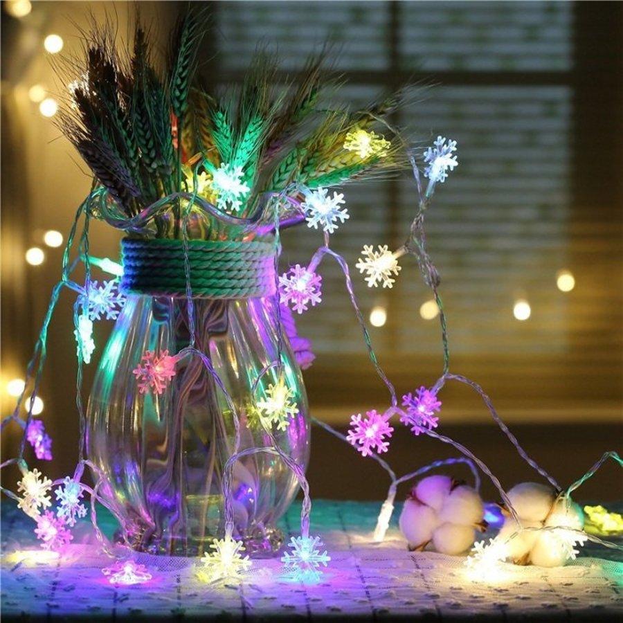 Dây đèn led trang trí hình bông tuyết