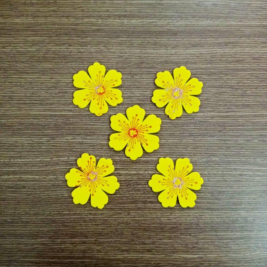 Bộ 5 hoa mai vàng dẻo trang trí tết