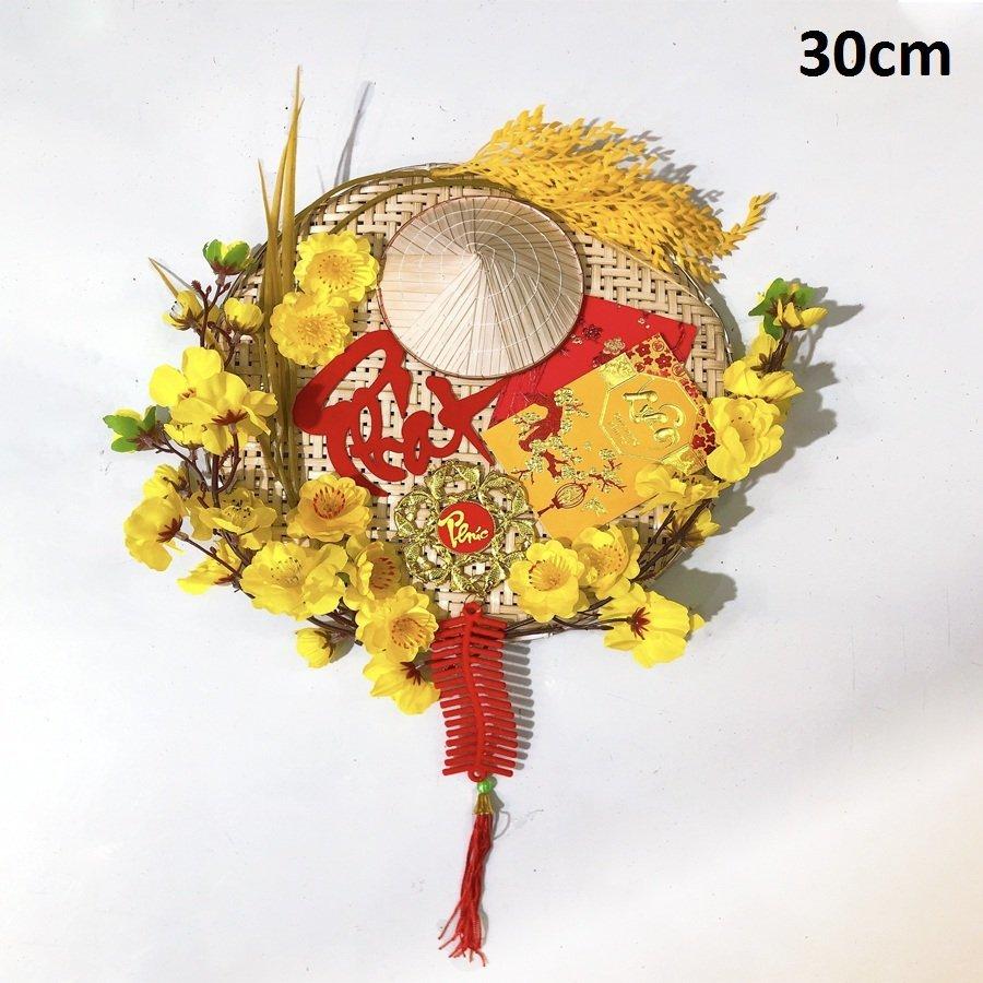 Mẹt nón lá hoa mai chữ Phát trang trí tết